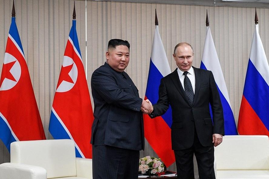 Tổng thống Nga Vladimir Putin và Chủ tịch Triều Tiên Kim Jong-un. Ảnh: Tass.