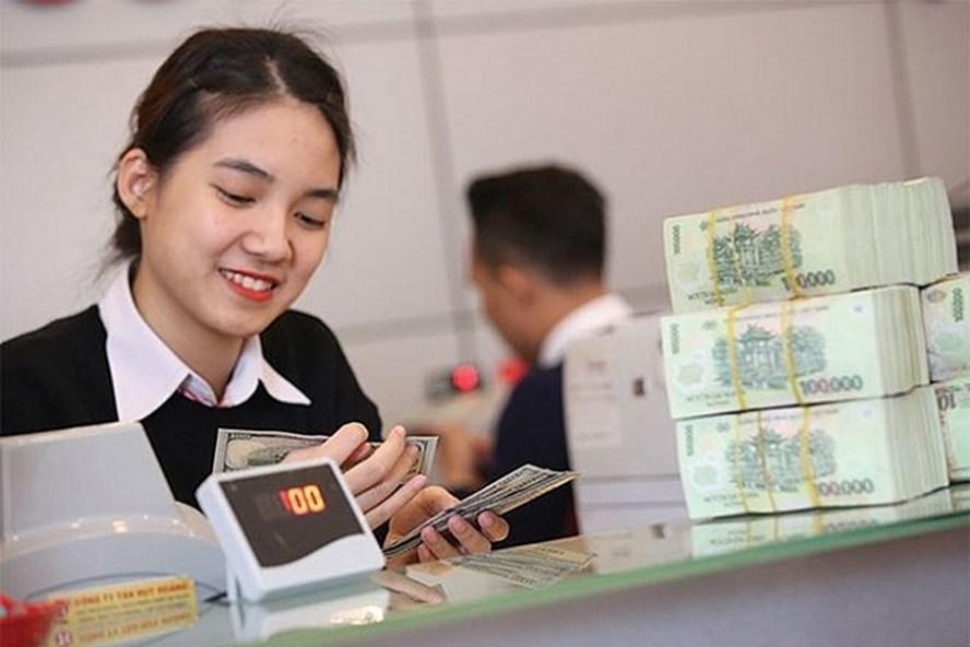 So sánh lãi suất gửi tiết kiệm ngân hàng trong tháng 4/2019, TPBank và Viet Capital Bank đang dẫn đầu với mức lãi suất 8,6%/năm cho kì hạn 24 tháng.