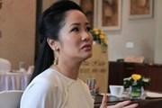 Chồng cũ lấy vợ, bạn bè thay nhau động viên Hồng Nhung