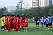 """HLV Hoàng Anh Tuấn: """"U18 sẽ chơi giống U23 và đội tuyển quốc gia"""""""
