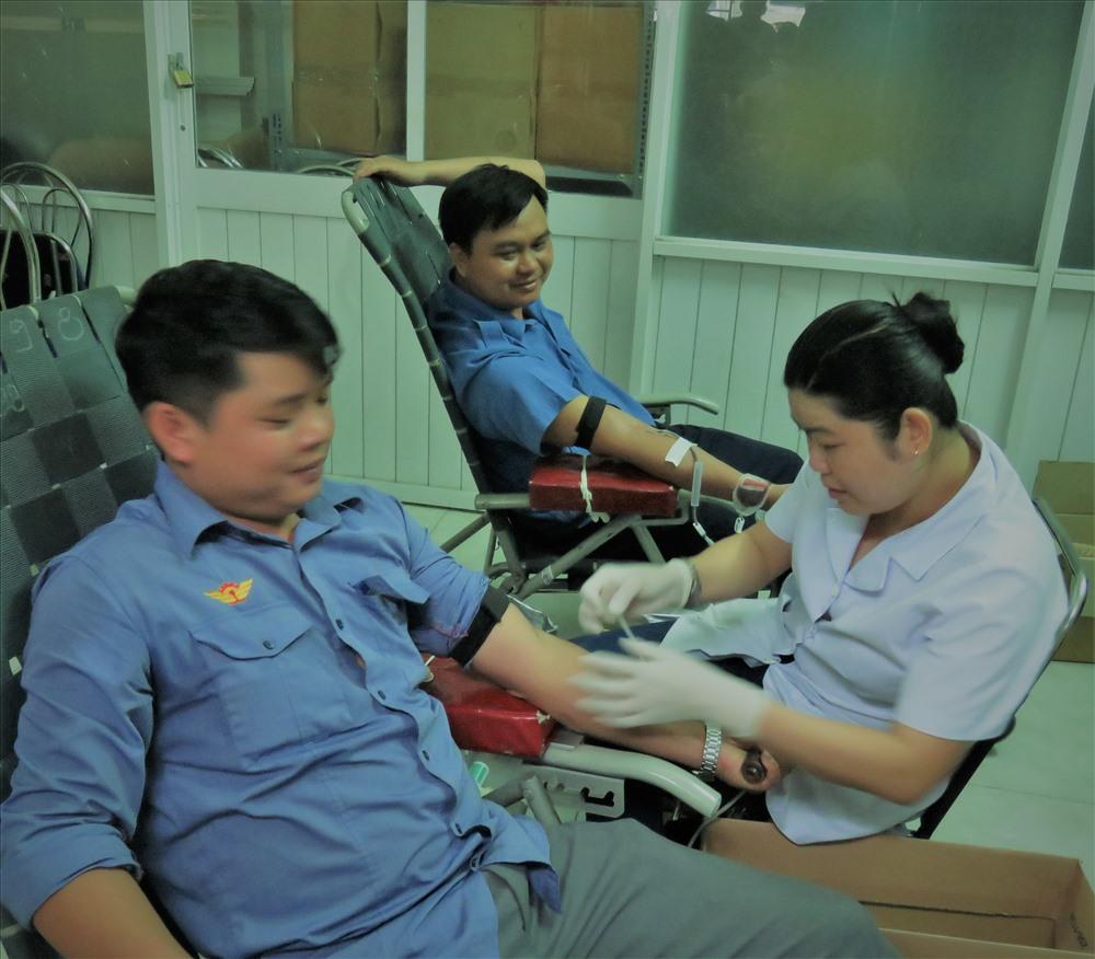 Cán bộ, đoàn viên công đoàn Đoàn Tiếp viên Đường sắt Phương Nam tham gia hiến máu
