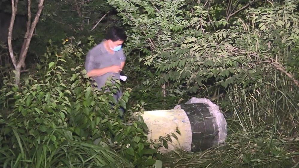 Một người bị sát hại tử vong sau đó bỏ vào thùng nhựa hình tròn.