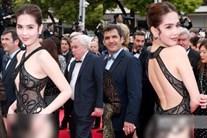"""Ồn ào Ngọc Trinh """"mặc như không"""" tại Cannes, nhà thiết kế lên tiếng"""