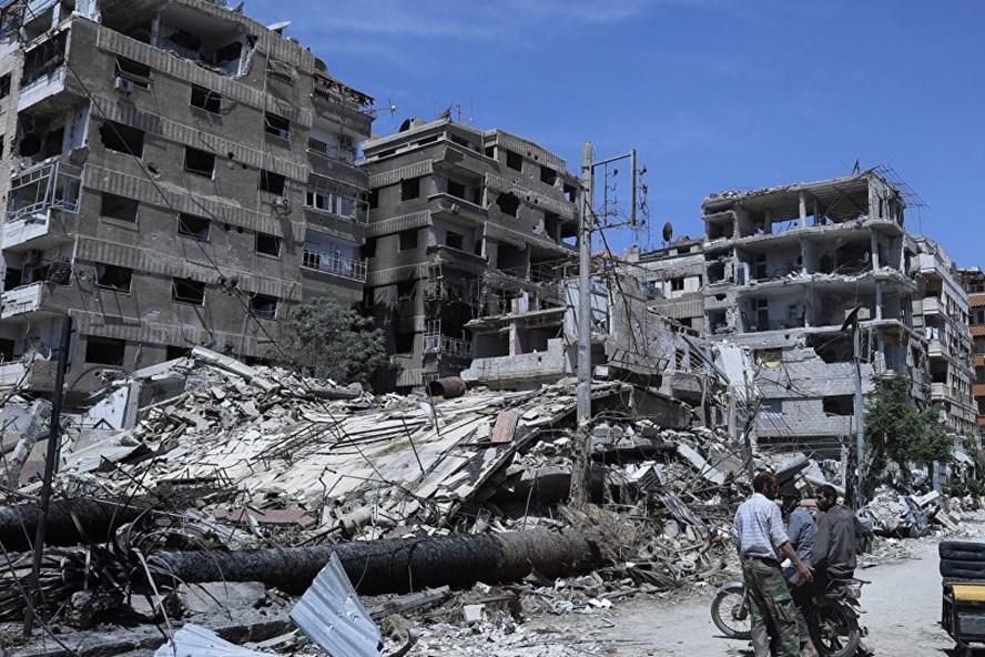 Khung cảnh ở Douma, nơi từng bị cáo buộc xảy ra cuộc tấn công bằng vũ khí hóa học trong năm 2018. Ảnh: AP.