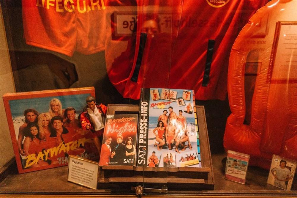 Bảo tàng David Hasselhoff là nơi trưng bày đồ cá nhân của nam diễn viên, ca sĩ cùng tên. Ảnh: T. L.