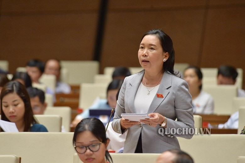 Đại biểu Lý Tiết Hạnh (Đoàn Bình Định) cho rằng việc quy hoạch sử dụng đất còn kém, tính dự báo không cao. Ảnh: Quochoi.vn
