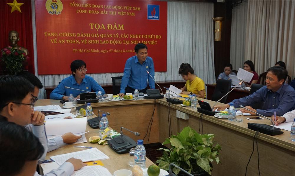 Phó Chủ tịch CĐ DKVN Vũ Anh Tuấn trao đổi tại buổi Tọa đàm