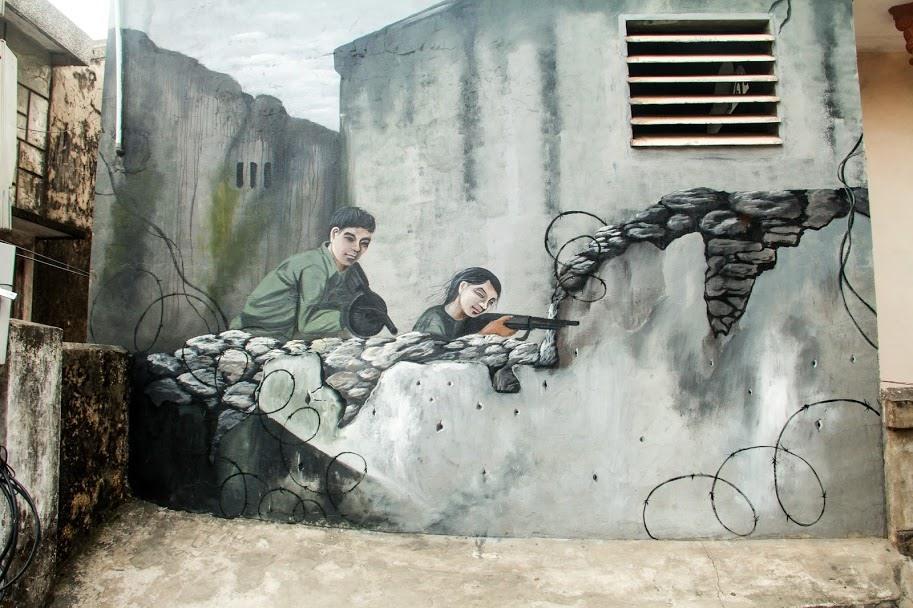 Một bức tranh bích họa độc đáo trong làng Cảnh Dương.