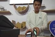 """Thương mại điện tử dùng tiền mặt: Sao """"tội đồ"""" cứ là người tiêu dùng?"""