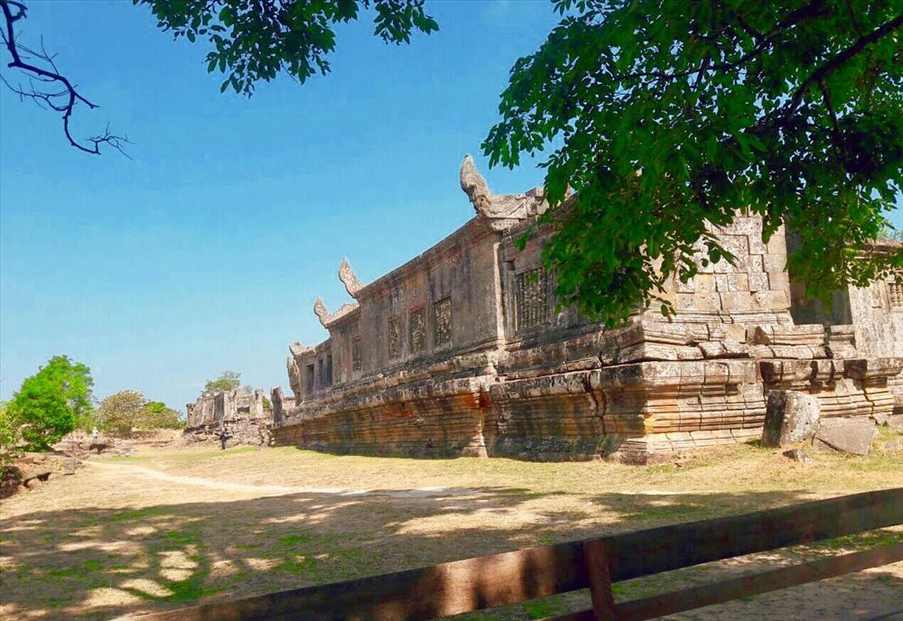Một di tích còn sót lại trong quần thể đền Preah Vihear