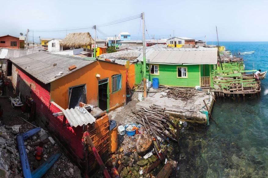 Nhà của mỗi hộ gia đình chủ yếu là một tầng, rất hiếm nhà 2 tầng trên đảo.