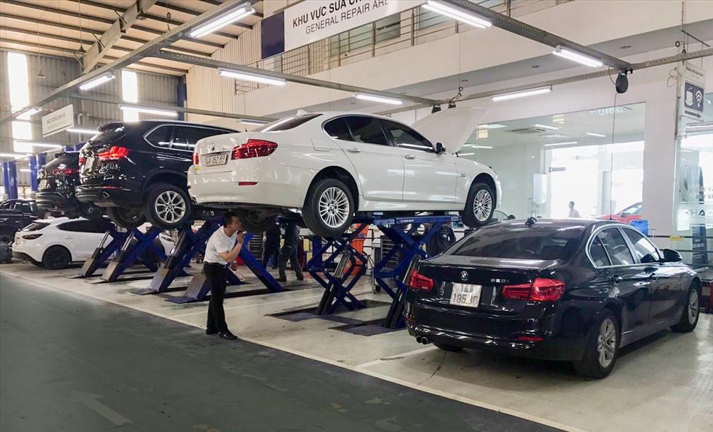 Xe BMW đang được chăm sóc bảo dưỡng tại Quảng Nình thay bằng hình CSKH tại Quảng Ninh