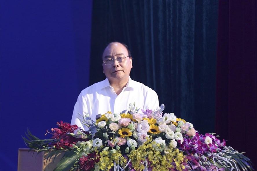 Thủ tướng Chính phủ Nguyễn Xuân Phúc phát biểu tại Hội nghị phát triển vùng kinh tế trọng điểm Bắc Bộ. Ảnh Trần Vương