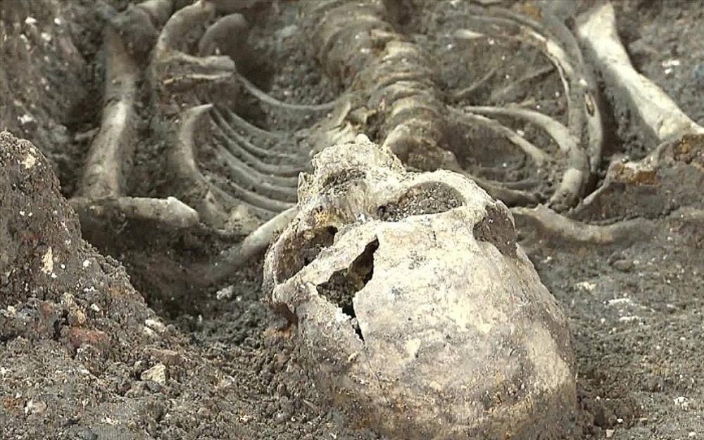 Hàng nghìn bộ xương các nạn nhân đã được khai quật trên hòn đảo Poveglia.