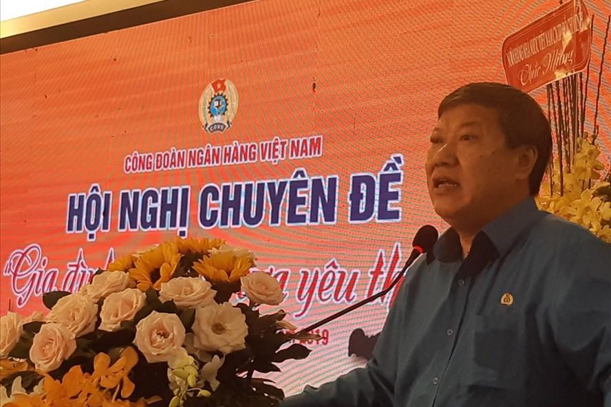 Đồng chí Nguyễn Văn Tân phát biểu tại hội nghị. Ảnh Nam Dương