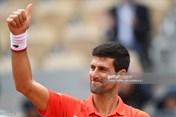 Vòng 4 Roland Garros: Djokovic lập kỷ lục mới khi vào tứ kết