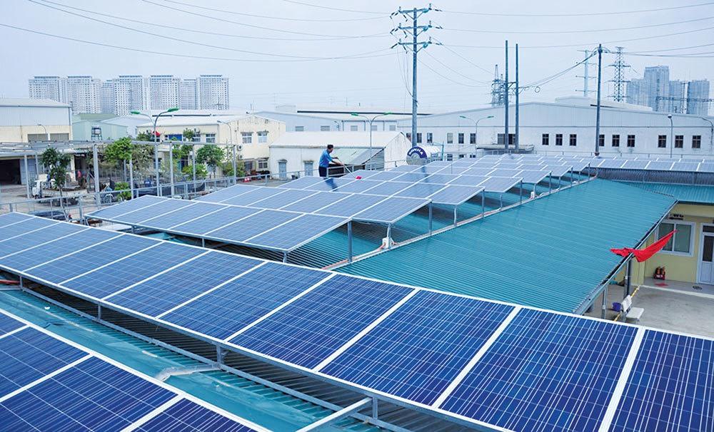Hệ thống điện mặt trời áp mái tại Hà Nội. Ảnh: H.T