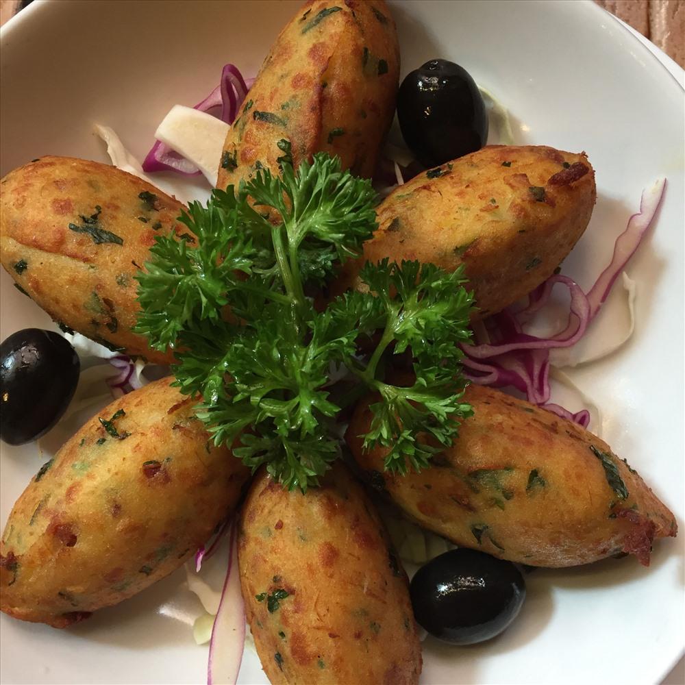 Bacalhau là một trong những ví dụ của việc giao thoa ẩm thực giữa Macao và Bồ Đào Nha.