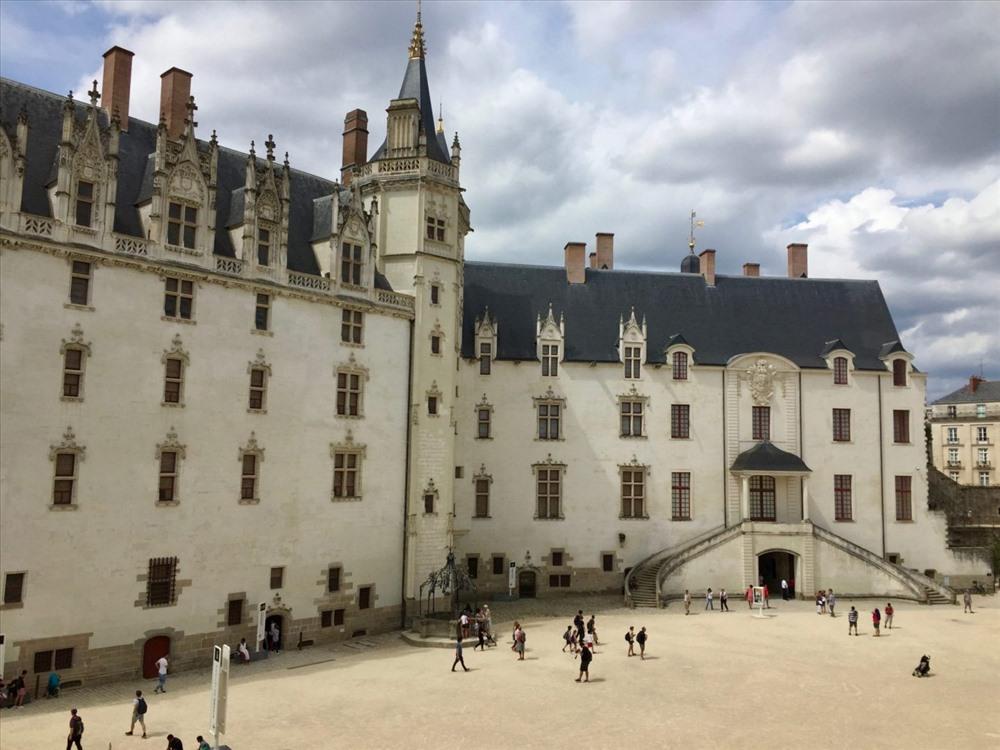 Lâu đài Brittany tuyệt đẹp bên dòng sông Loire.