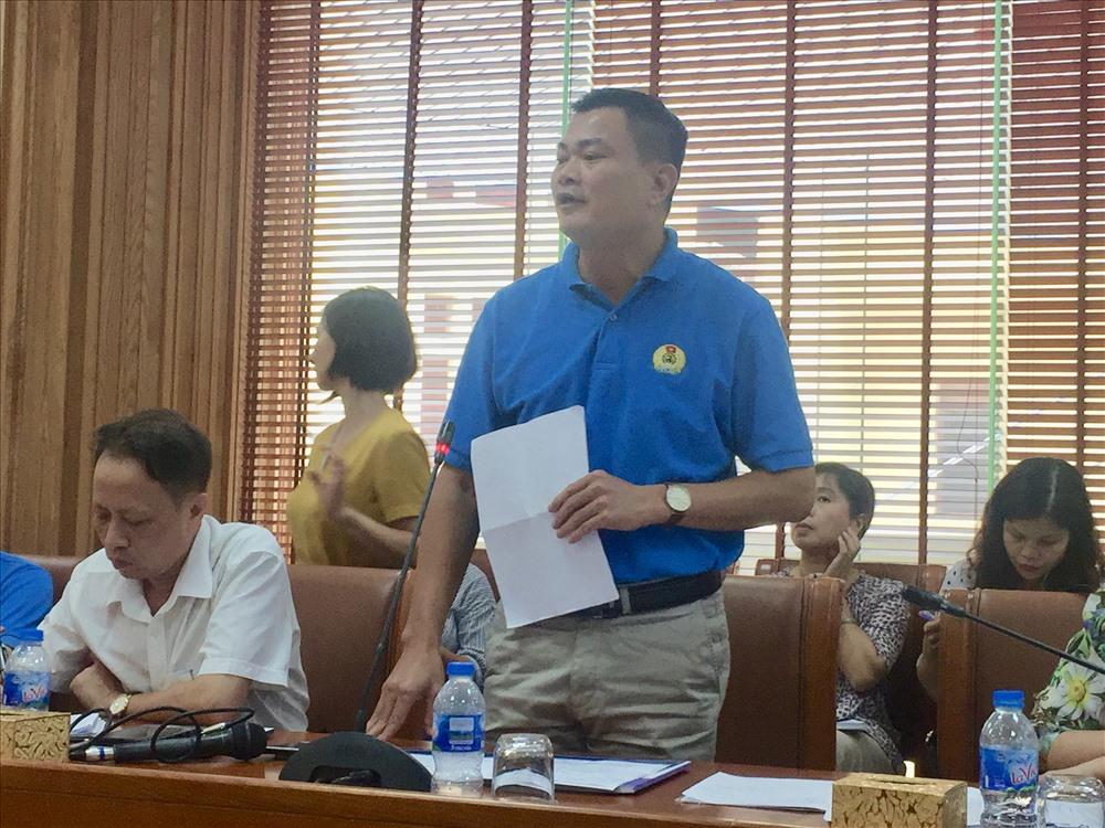 Ông Nguyễn Đình Thắng - Phó Chủ tịch Công đoàn các KCN-CX Hà Nội phát biểu tại buổi toạ đàm. Ảnh: H.A