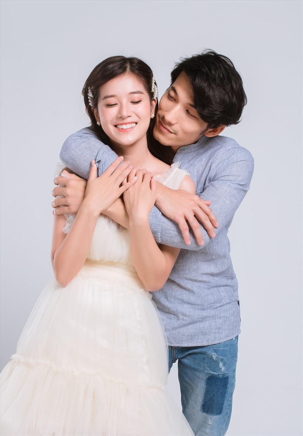 Cặp đôi có khá nhiều điểm trùng hợp trong sự nghiệp điện ảnh của năm qua, khi cùng giành giải Nam - Nữ diễn viên chính xuất sắc tại lễ trao giải Ngôi Sao Xanh, lễ trao giải Cánh Diều, và cùng đại diện Việt Nam tham dự Giải thưởng truyền hình châu Á 2018 tổ chức tại Malaysia.