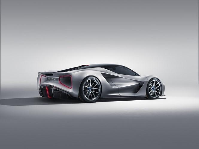 Lotus cho biết, siêu xe này có thể tăng tốc từ 0-100 km/h với trong chưa đầy 3 giây, và có khả năng đạt tốc độ tối đa 320 km/h nếu điều kiện đường đủ tốt.