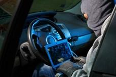 """Nóng nhất hôm nay: Băng trộm """"nhí'""""đánh cắp và tự lái ôtô cả nghìn km"""