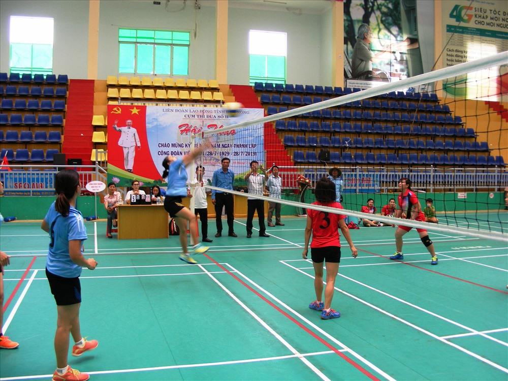 Hội thao do LĐLĐ tỉnh Đắk Nông tổ chức diễn ra sôi nổi, kịch tính. Ảnh Quang Hùng