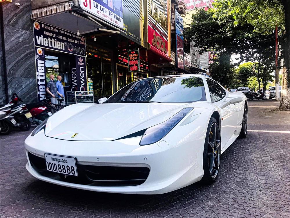 Siêu xe Ferrari 458 Spider thứ 2 xuất hiện tại Việt Nam với biển số