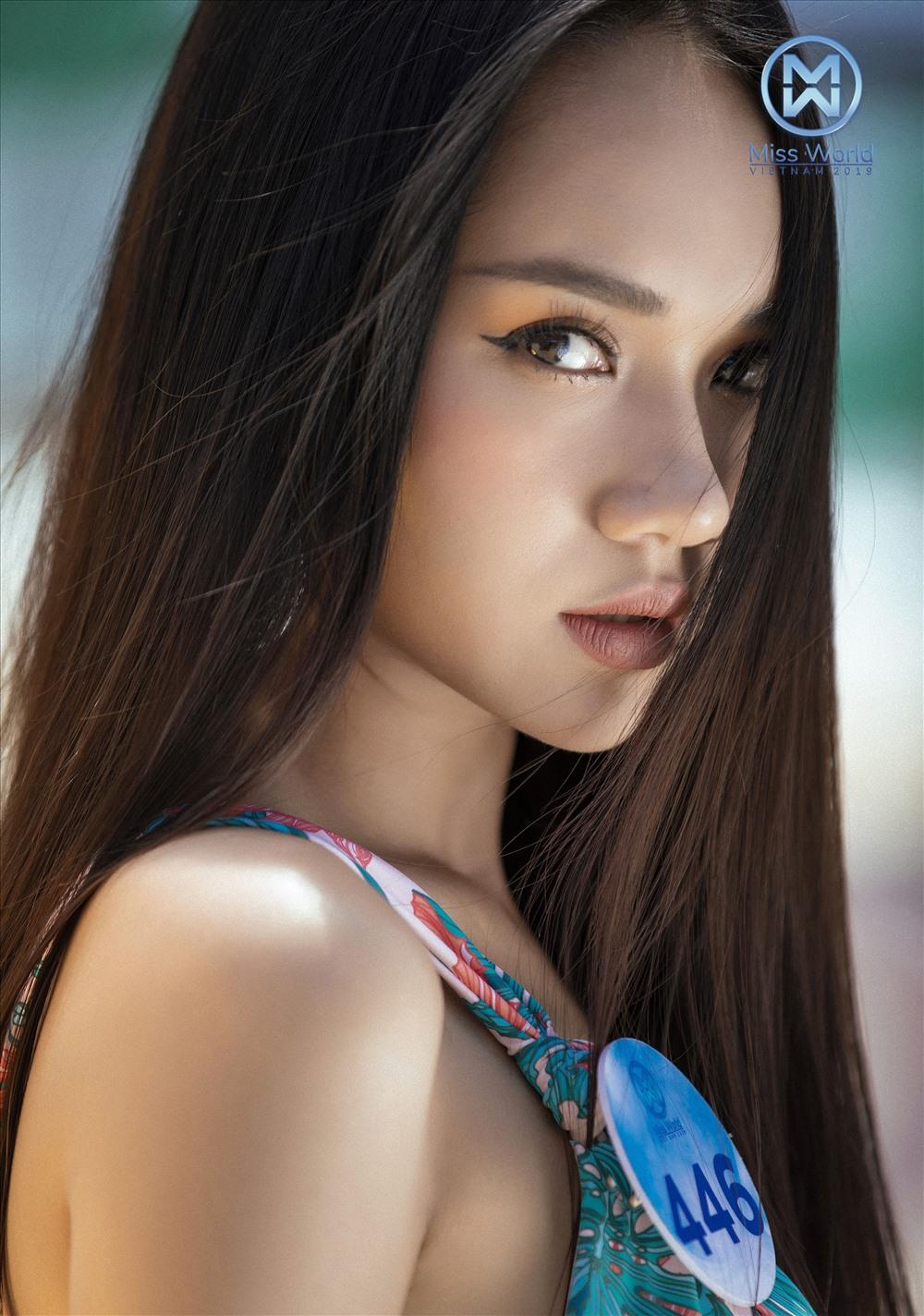 Miss World Việt Nam đã mang cả khu rừng nhiệt đới vào mỗi khung hình khi các cô gái tự tin với thần thái cuốn hút đã ở đẳng cấp trong những bộ bikini họa tiết bắt mắt. Ảnh: Lê Thiện Viễn.