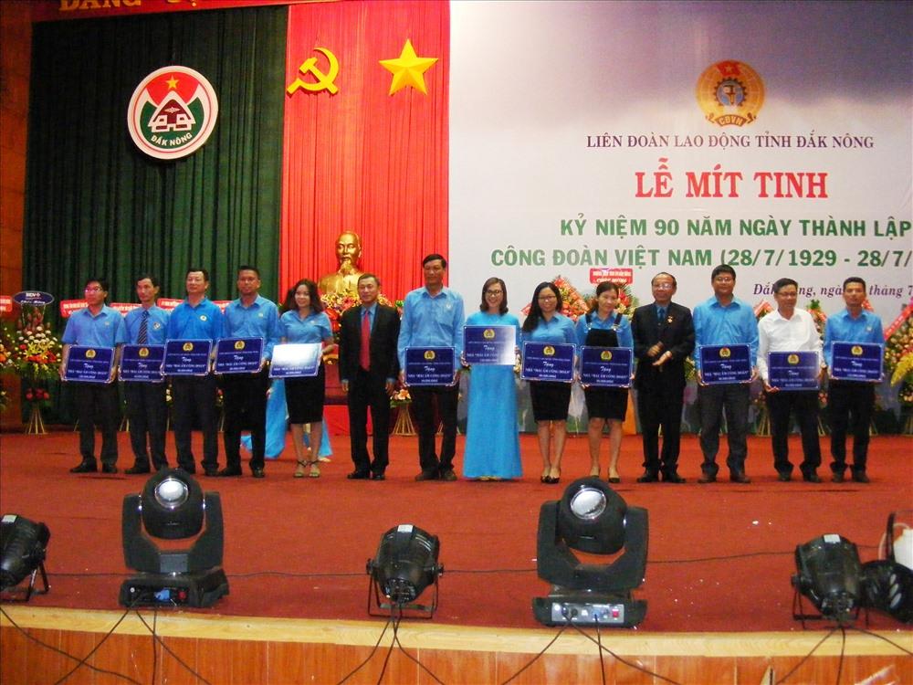 """Liên đoàn Lao động tỉnh Đắk Nông phân bổ 34 căn nhà """"Mái ấm công đoàn"""" với tổng số tiền hơn 1,3 tỉ đồng. Ảnh Quang Hùng"""
