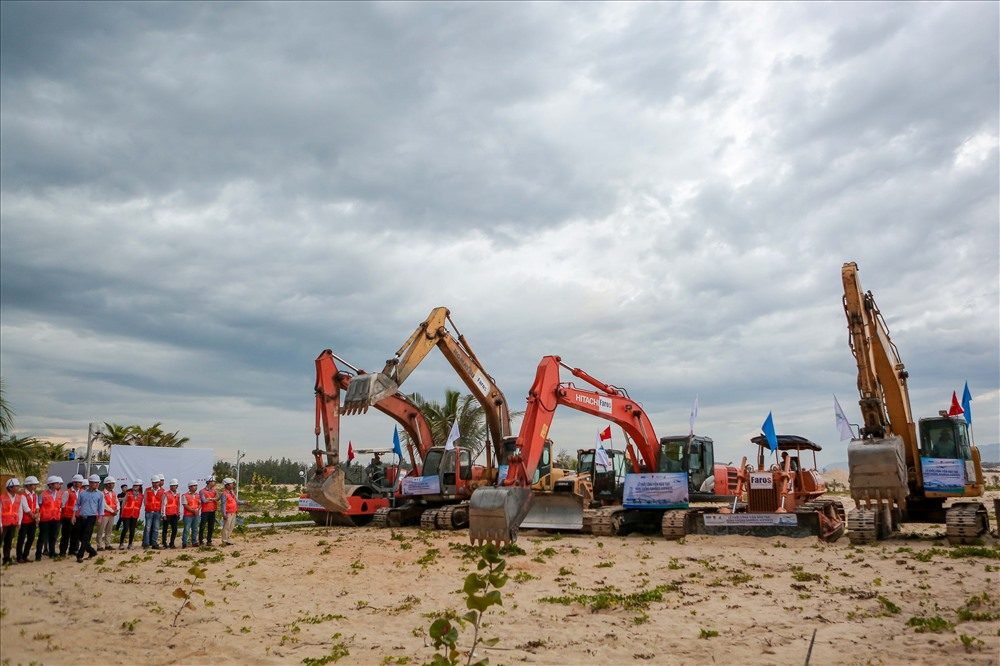 Lễ động thổ dự án Viện đào tạo Hàng không Bamboo Airways tại Khu quy hoạch Trung tâm nghiên cứu đào tạo nguồn nhân lực thuộc Khu lõi Khu đô thị Du lịch sinh thái Nhơn Hội, Quy Nhơn. Ảnh: FLC