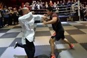 """""""Chiến binh MMA Từ Hiểu Đông bị gây khó dễ vì quá giỏi"""""""