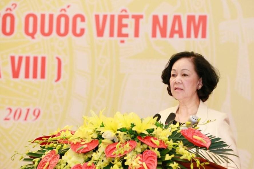 Bà Trương Thị Mai phát biểu tại Hội nghị. Ảnh: Quang Vinh