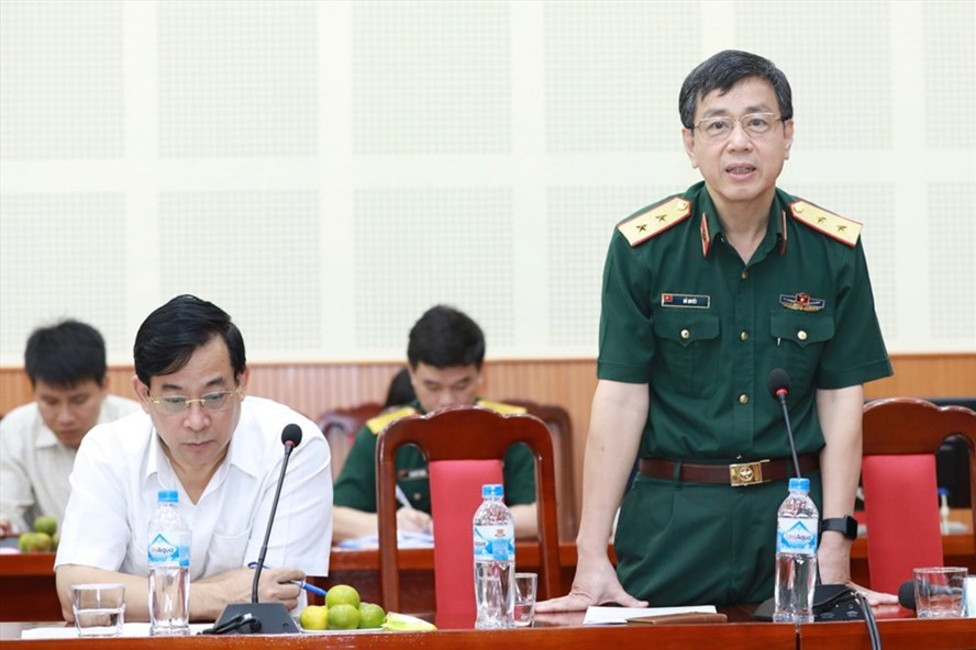 Trung tướng, GS.TS Đỗ Quyết - Giám đốc Học viện Quân y phát biểu trong họp báo chương trình Vinh quang Việt Nam. Ảnh: Hải Nguyễn