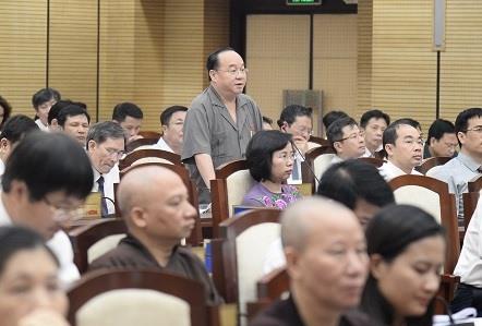 ĐB Nguyễn Hồng Sơn (tổ đại biểu huyện Sóc Sơn) chất vấn. Ảnh Phạm Hùng