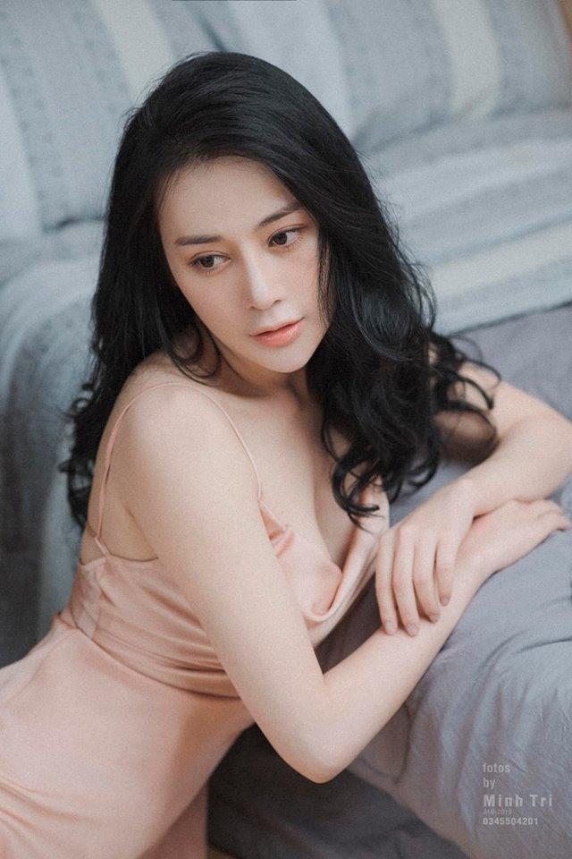 Ở tuổi 30, Phương Oanh ngày càng quyến rũ và xinh đẹp. Ảnh: Châu Nguyễn.
