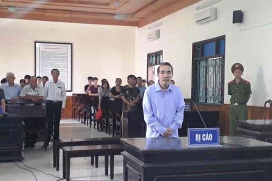Bị cáo Châu lĩnh án 20 năm tù vì giết vợ. Ảnh: MT