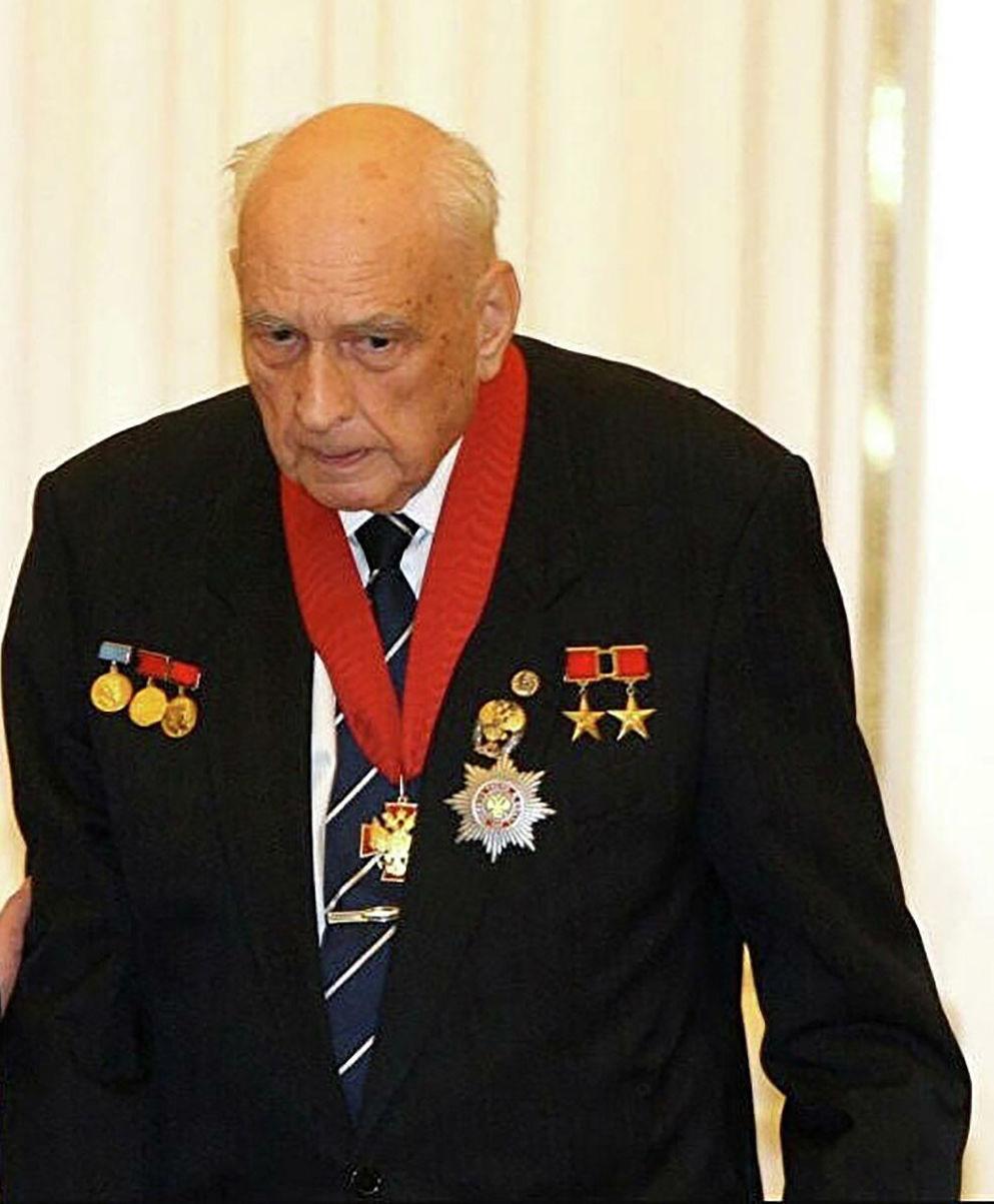 Nhà thiết kế Sergei Kovalev. Ảnh: Sputnik
