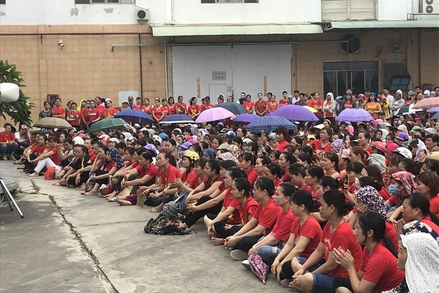 Gần 2 nghìn lao động KaiYang vui mừng gặp gỡ ban lãnh đạo mới. Ảnh ĐL