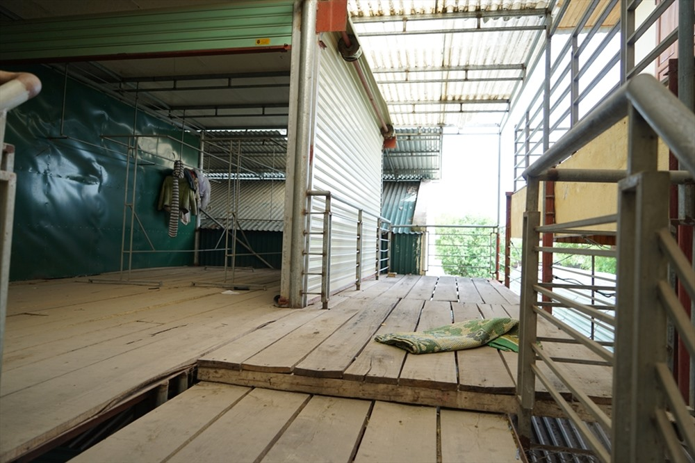 Ông Hoàng Văn Phi - Bí thư huyện ủy Hưng Nguyên cho biết, tiêu chí chợ nông thôn mới không phù hợp với thực tế, nhiều trường hợp lãng phí, hiện đã được bãi bỏ.