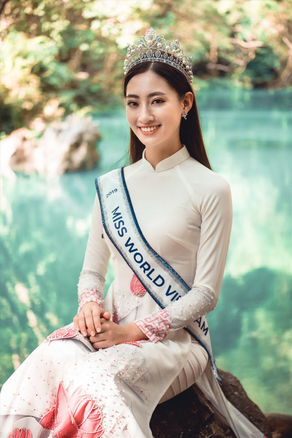 Sau chuyến về thăm quê hương với những hoạt động ý nghĩa, Lương Thuỳ Linh sẽ bước vào giai đoạn tập luyện và trau dồi để tham dự cuộc thi Miss World dự kiến diễn ra vào cuối năm tại Anh. Ảnh: Vũ Toàn.