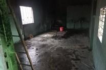 Nhà bị cháy rụi, 3 mẹ con công nhân bơ vơ