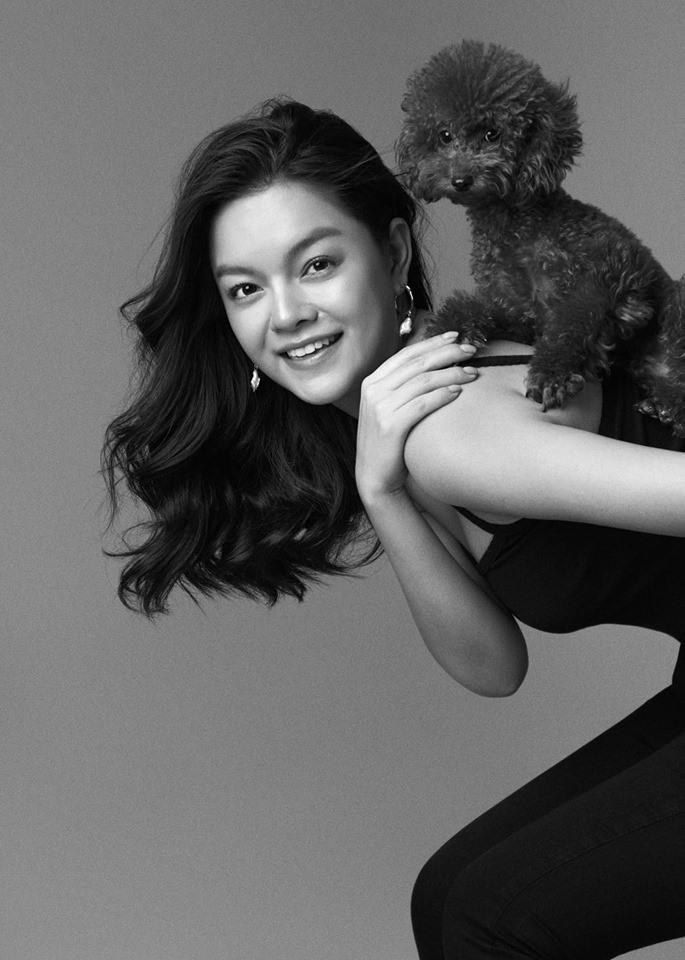 Phạm Quỳnh Anh được biết đến với giọng hát ngọt ngào, ấm áp khi còn là thành viên nhóm HAT. Năm 2012, cô kết hôn với nhạc sĩ Quang Huy và ít xuất hiện với vai trò ca sĩ.