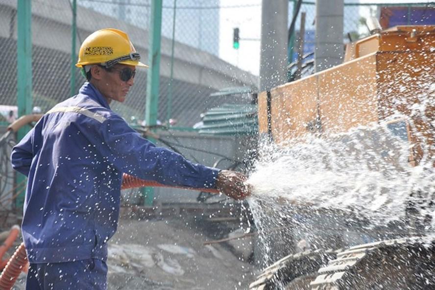 Cùng với ngành nông nghiệp, việc làm của người lao động ngành Xây dựng cũng sẽ bị ảnh hưởng nặng nề bởi tình trạng ấm lên của Trái đất.