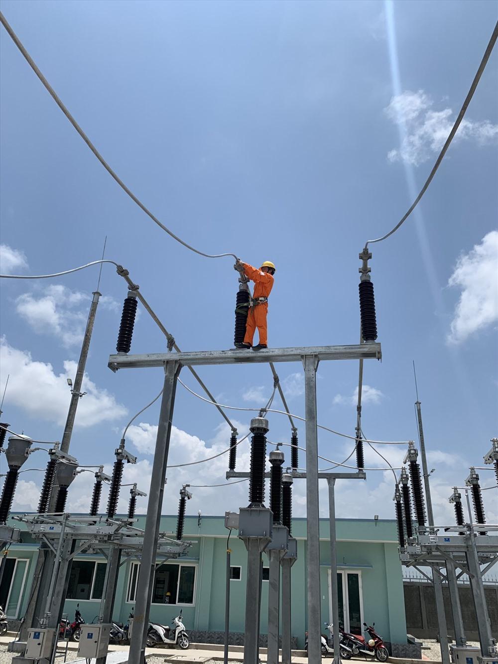 EVN SPC đảm bảo cung cấp điện tốt nhất cho khách hàng vào dịp lễ Quốc khánh 2-9