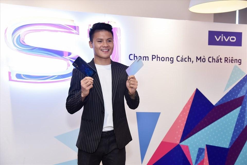 Cầu thủ Quang Hải tại sự kiện ra mắt Vivo S1 tại TP.HCM.