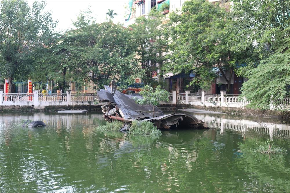 Hồ Hữu Tiệp còn lưu giữ xác máy bay B52 bị bắn rơi (năm 1972).
