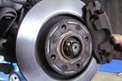 Tăng giảm ga đột ngột có thể khiến xe hơi bạn nhanh hỏng
