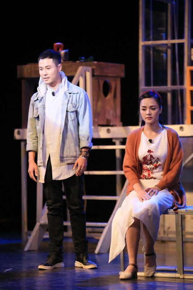 """Thu Quỳnh tham gia vở """"Hoa cúc xanh trên đầm lầy"""". Ảnh: NVCC"""